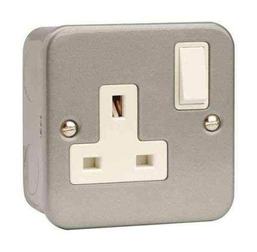 Metal Clad 13A Socket Outlet 1 Gang | Click CL035