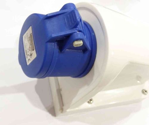 16A Blue Female Wall Socket | IP44 220-240V
