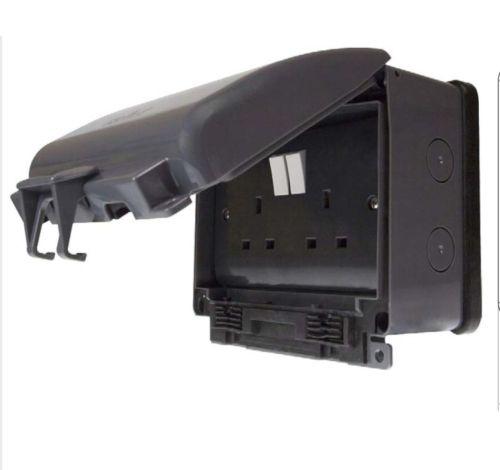 Weatherproof Outdoor 13A Socket Outlet 2 Gang IP66 | Click OA036AG