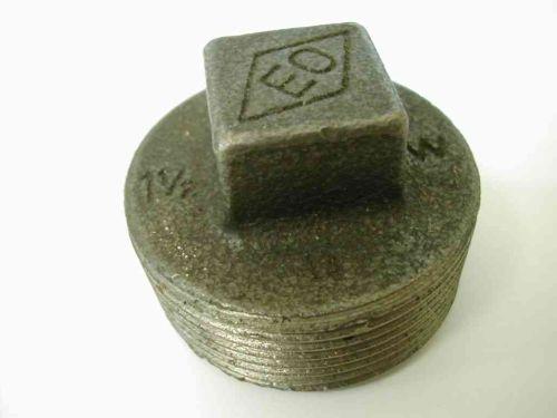 1-1/2 Inch BSP Black Iron Plug