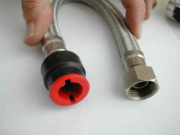 15mm Push Fit X 1 2 Inch Flexible Tap Connector