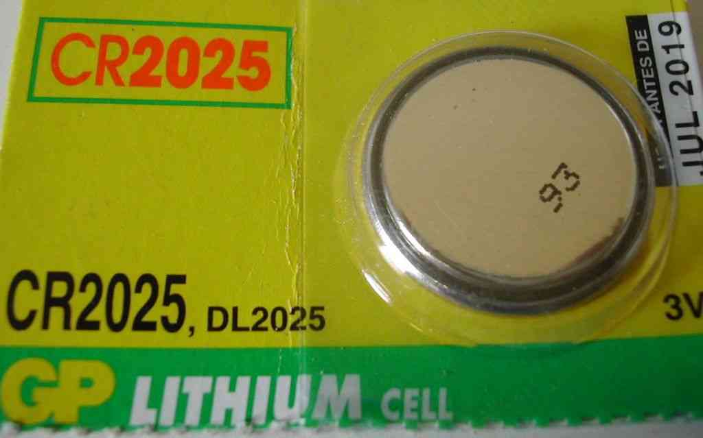 CR2025 Battery   3V Lithium Button Cell