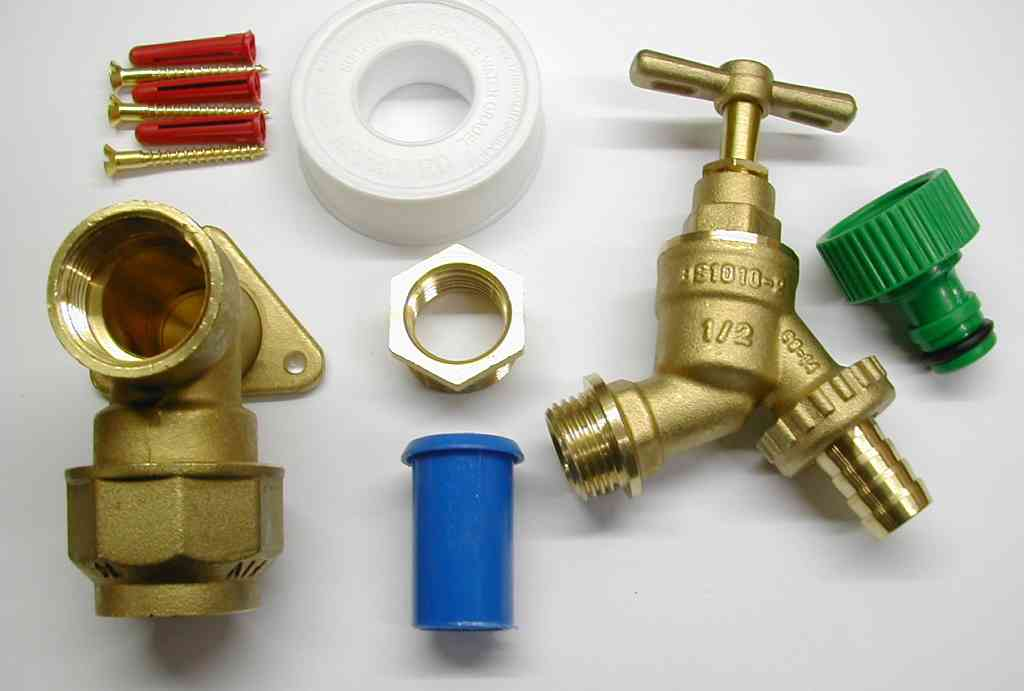 25mm Mdpe Outside Tap Kit With Brass Wall Plate