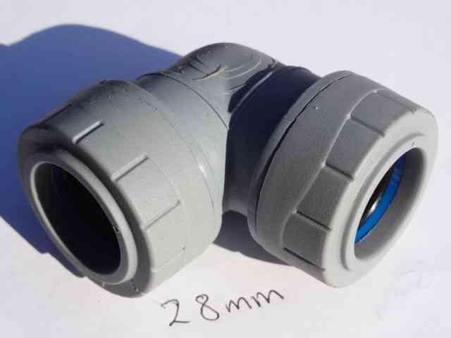 28mm Polyplumb Elbow   PB128